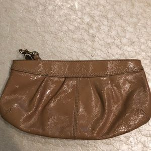 💝Tan leather coach wristlet
